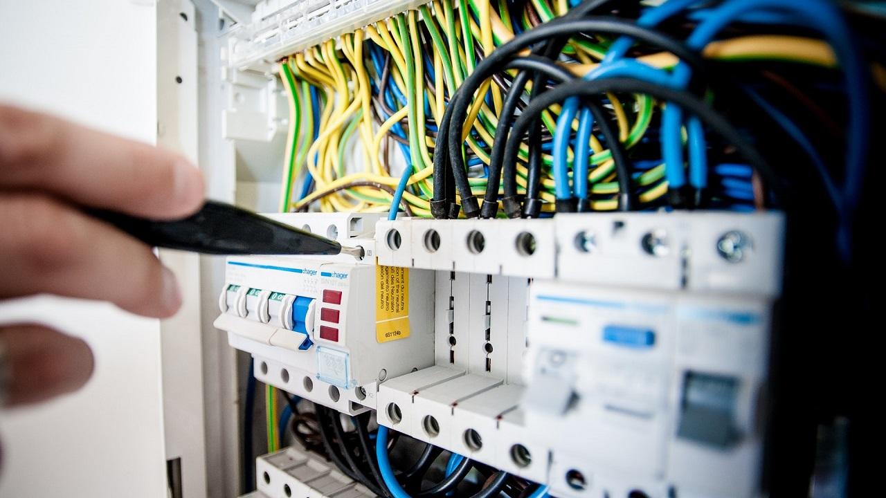 Corso di Formazione Lavorare come Elettricista - EuroFormation Scuola di Formazione Digitale e Corsi Online