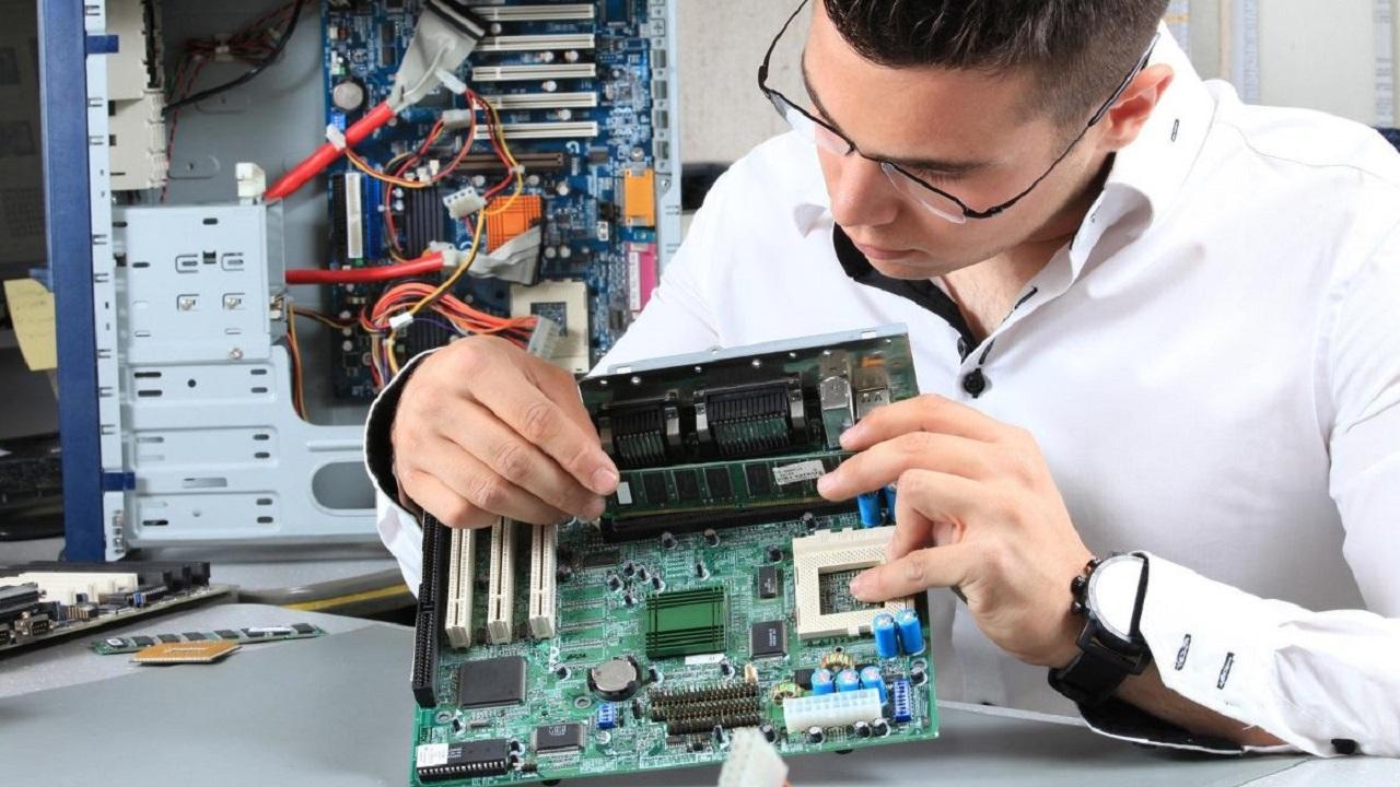 Corso di Formazione Lavorare come Tecnico Informatico - EuroFormation Scuola di Formazione Digitale e Corsi Online